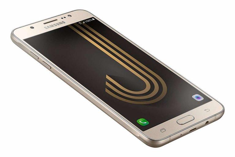Samsung Galaxy J7 2016 Recensione Retrò: lo smartphone col dubbio