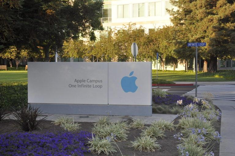 Apple, un visore per la realtà virtuale entro il 2022