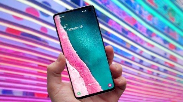 Sharp, tra pochi giorni la presentazione di uno smartphone 5G