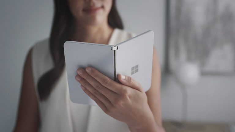 Microsoft Surface Duo è disponibile da oggi (ma solo negli USA)