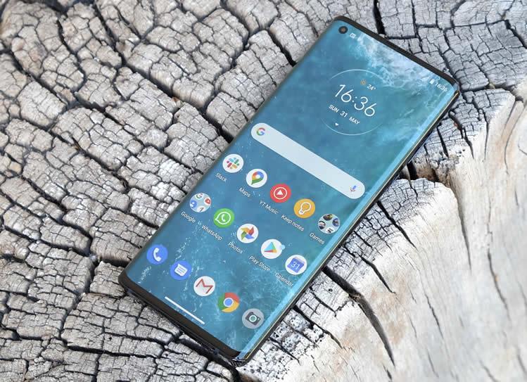 Motorola Nio, uno smartphone a… 105 Hz
